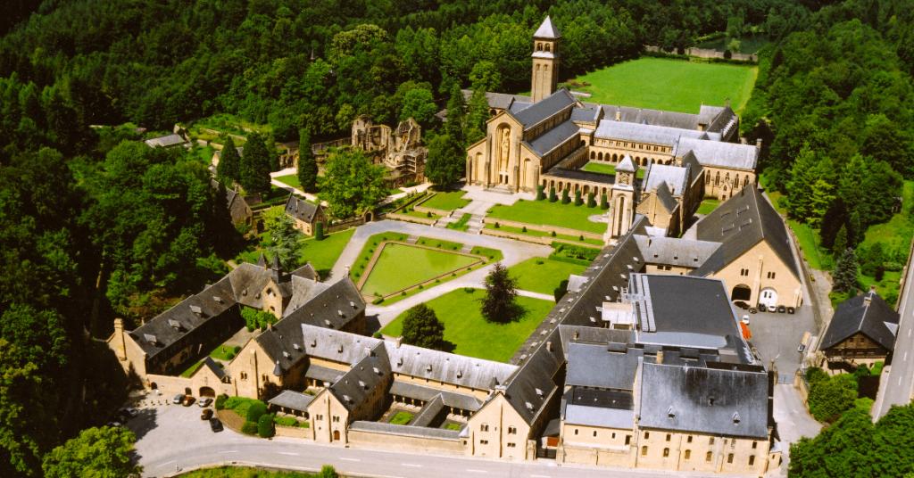 Abbaye Notre-Dame d'Orval - Alles wat u moet weten om uw wandeling in de Ardennen voor te bereiden